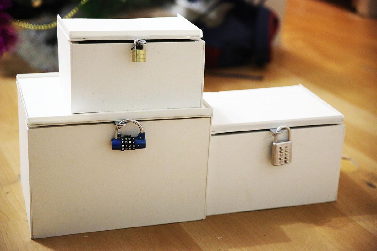 ящики с кодовыми замками для квеста