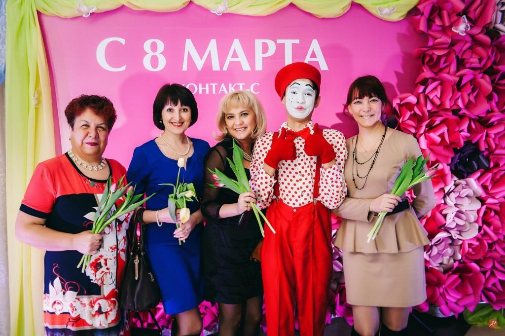 подарки женщинам на 8 марта в офисе