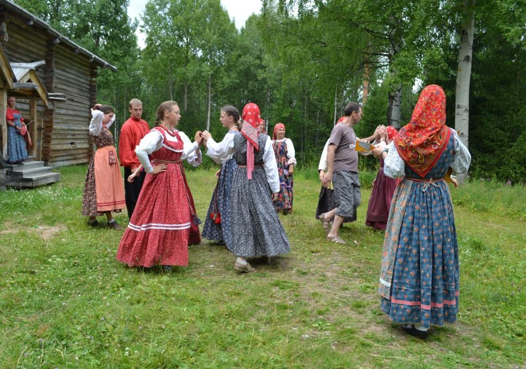 Духов день традиции и обычаи