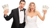 Сколько денег дарят на свадьбу