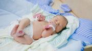Идеи подарков новорожденному мальчику и его маме