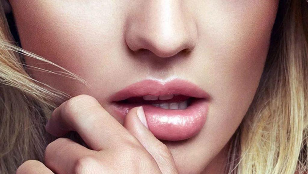 К чему чешутся губы