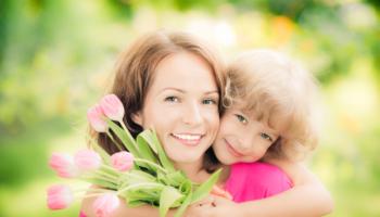 Трогательные слова поздравления с Днем мамы
